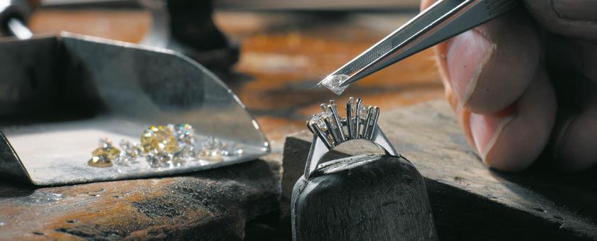 Setting diamonds in jewelry